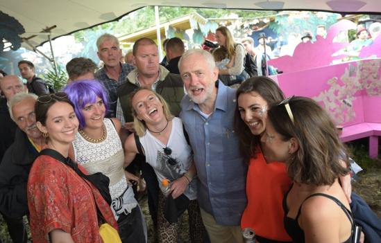 jeremy-corbyn-glastonbury-2017-3-1498323659.jpg