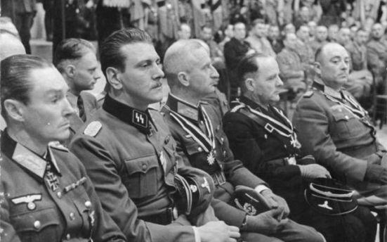 cropped_Bundesarchiv_Bild_183-J07994__Berlin__Skorzeny__Reinhardt__Zschirnt__K_rner