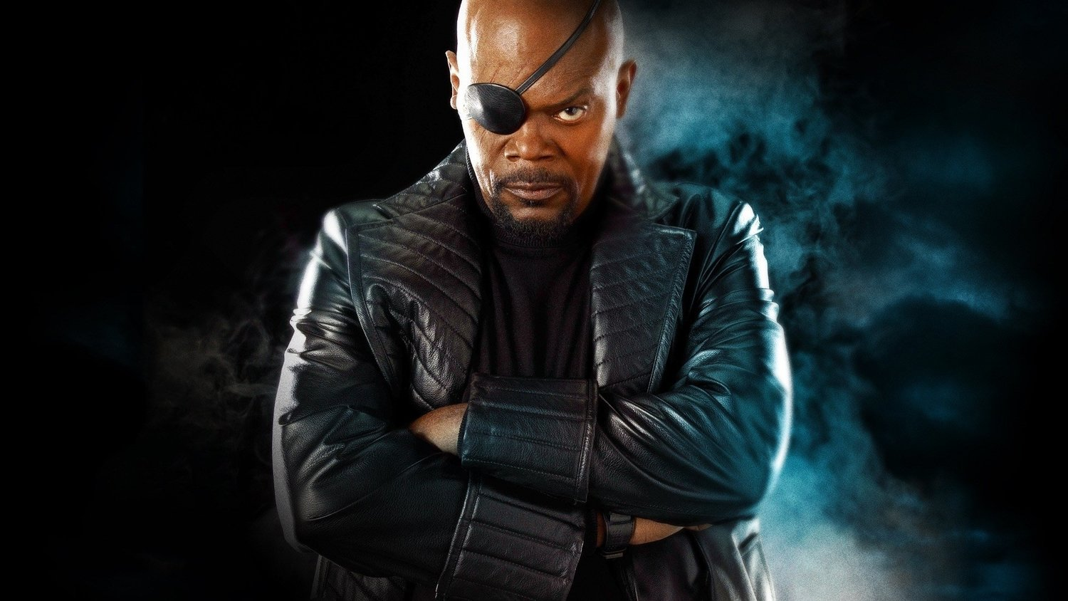 samuel-l-jackson-shows-off-nick-furys-shield-business-card-which-has-a-fun-call-back-to-pulp-fiction-social